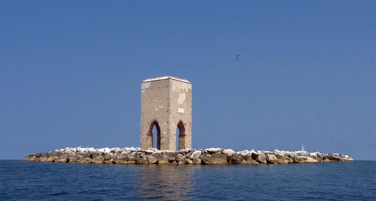 Creare un Pianeta con una foto con Photoshop in 3 Passaggi - foto non panoramica (La Meloria - Livorno)