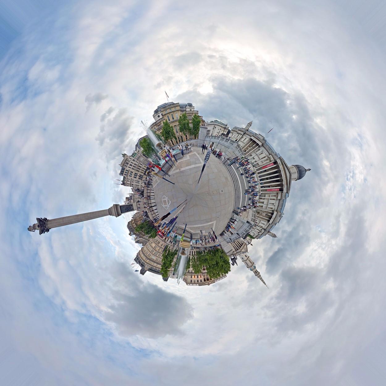 Creare un Pianeta con una foto con Photoshop in 3 Passaggi - risultato finale con panoramica 360